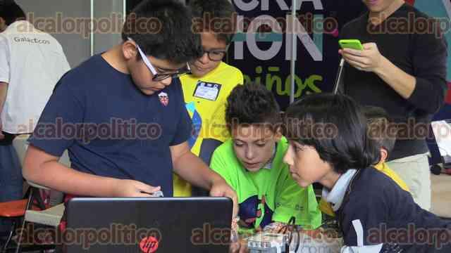 Hackathon_2015-163720taller_ninos_10__01